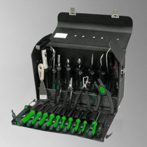 Кожаные чемоданы и сумки с набором инструментов